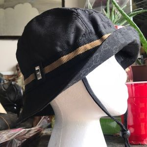 Gucci black bucket hat with fur ears /chin strap
